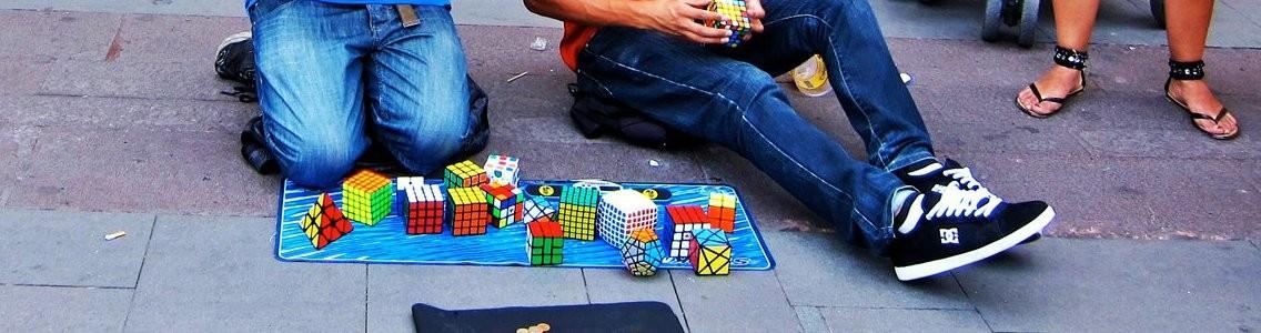 http://www.speedcubing.ro/wp-content/uploads/2014/02/1-Street-Cubing-1136x300.jpg