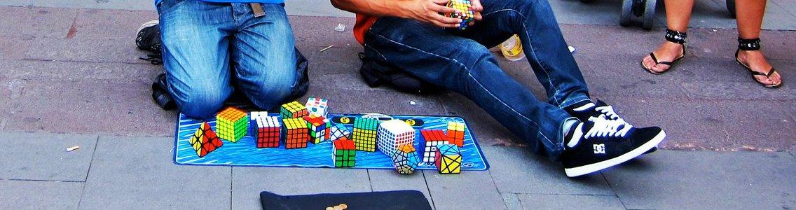 http://www.speedcubing.ro/wp-content/uploads/2014/02/1-Street-Cubing.jpg